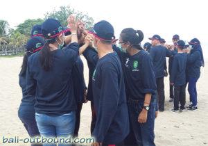 Team Building di Pantai Kuta Bali