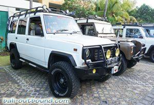 Jeep Adventure di Pesisir Pantai Biaung